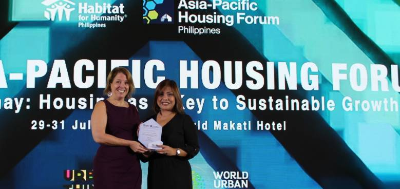 habitat for humanity philippines ceo kelly koch and holcim vice president for communications cara ramirez